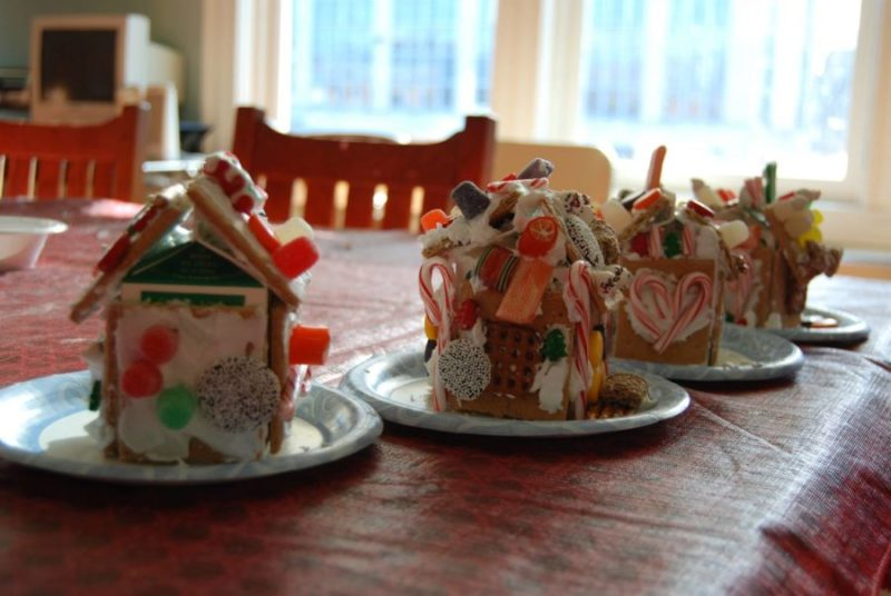 Children's gingerbread house workshop